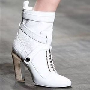 d1e37fd9c3 FENDI White Spring Leather Boots Booties 37 EUC